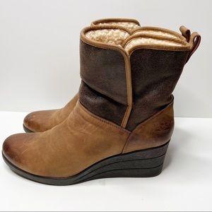 UGG Renatta Waterproof Wedge Boots Size 11